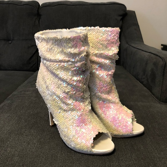 Liliana Shoes - Liliana Women s White Sequin Ankle Boots f3d2fee96a